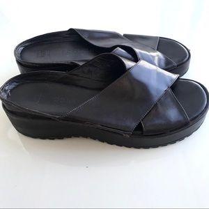 COLE HAAN Leather Comfort Flex Sandals